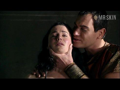 Spartacus vekracht onder dwang sex scene
